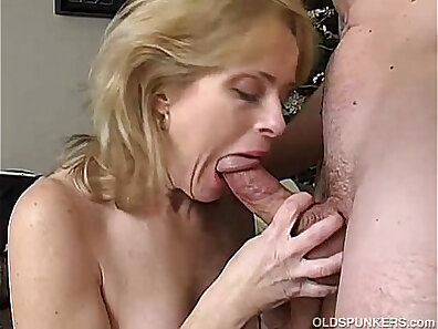 enjoying sex, having sex, HD amateur, hot babes, mature women, mother fucking, older woman fucking xxx movie